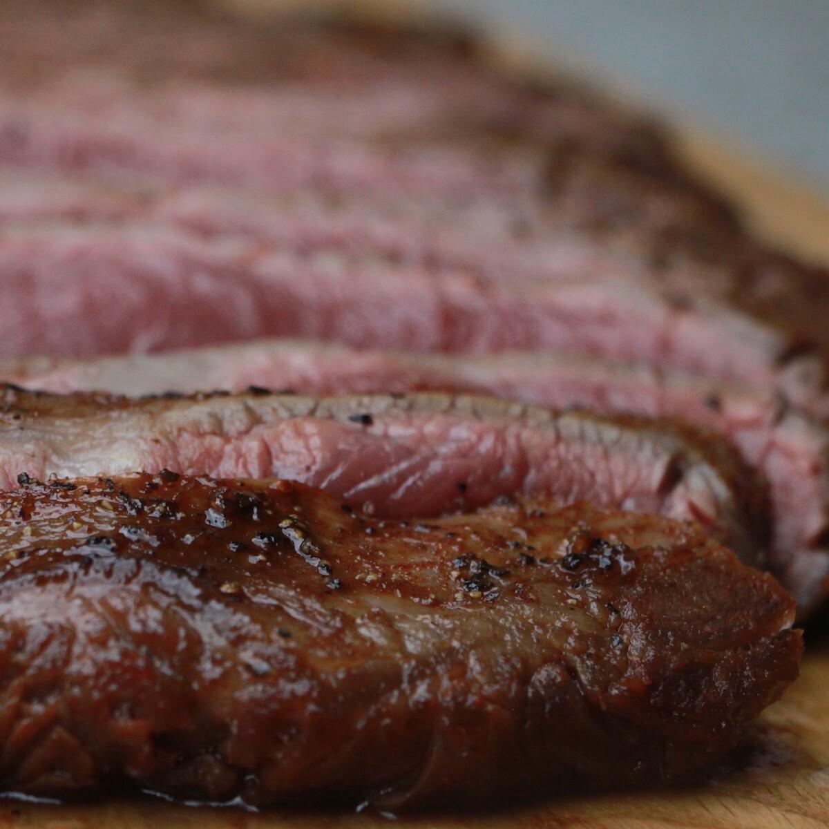 Flank steak in een whiskey marinade