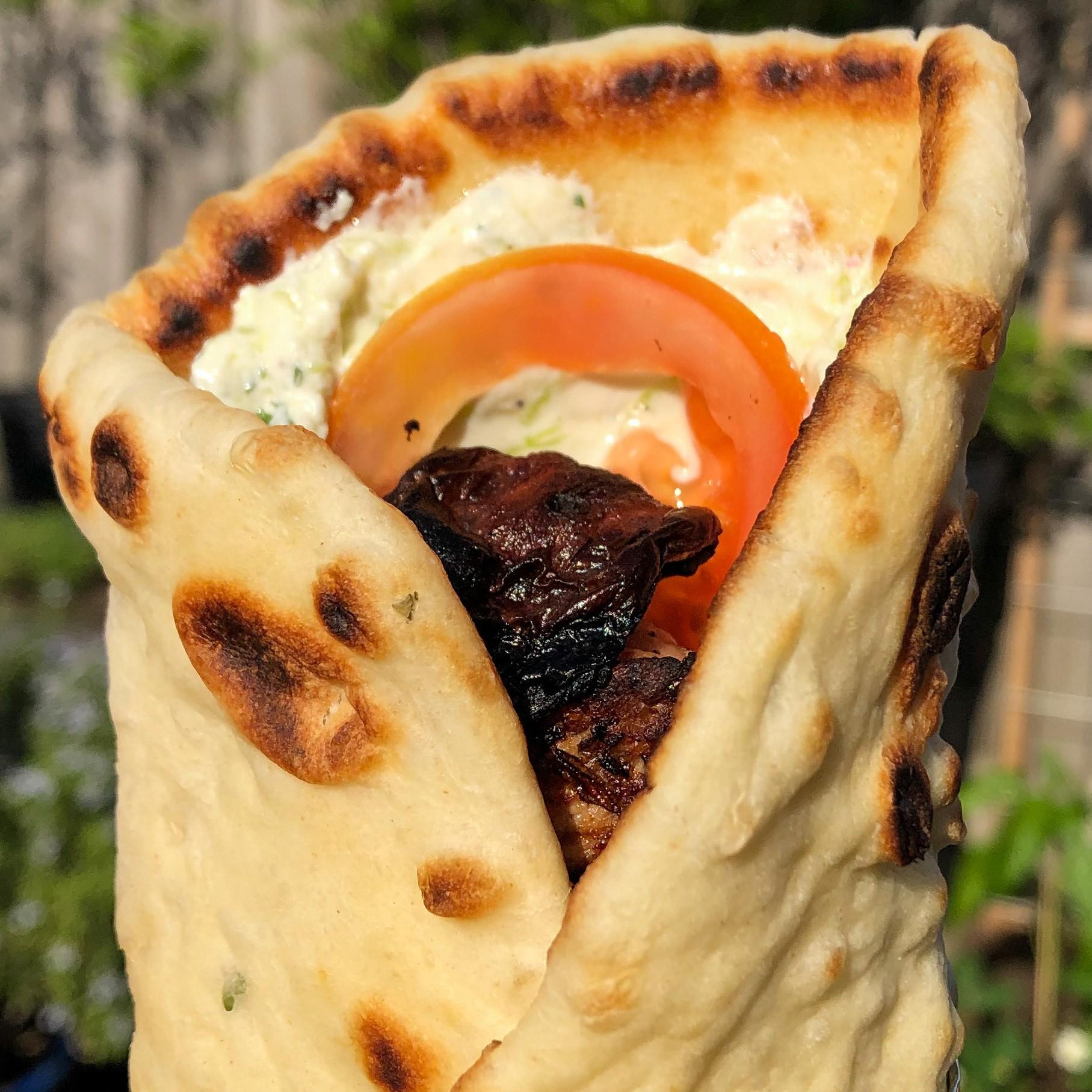 Souvlaki met huisgemaakte pita en tzaziki